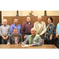 Clay County Electric official contract signing for solar field